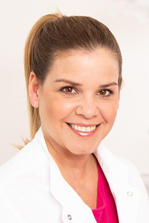 Parodontologie Spezialist Patricia Babanejad
